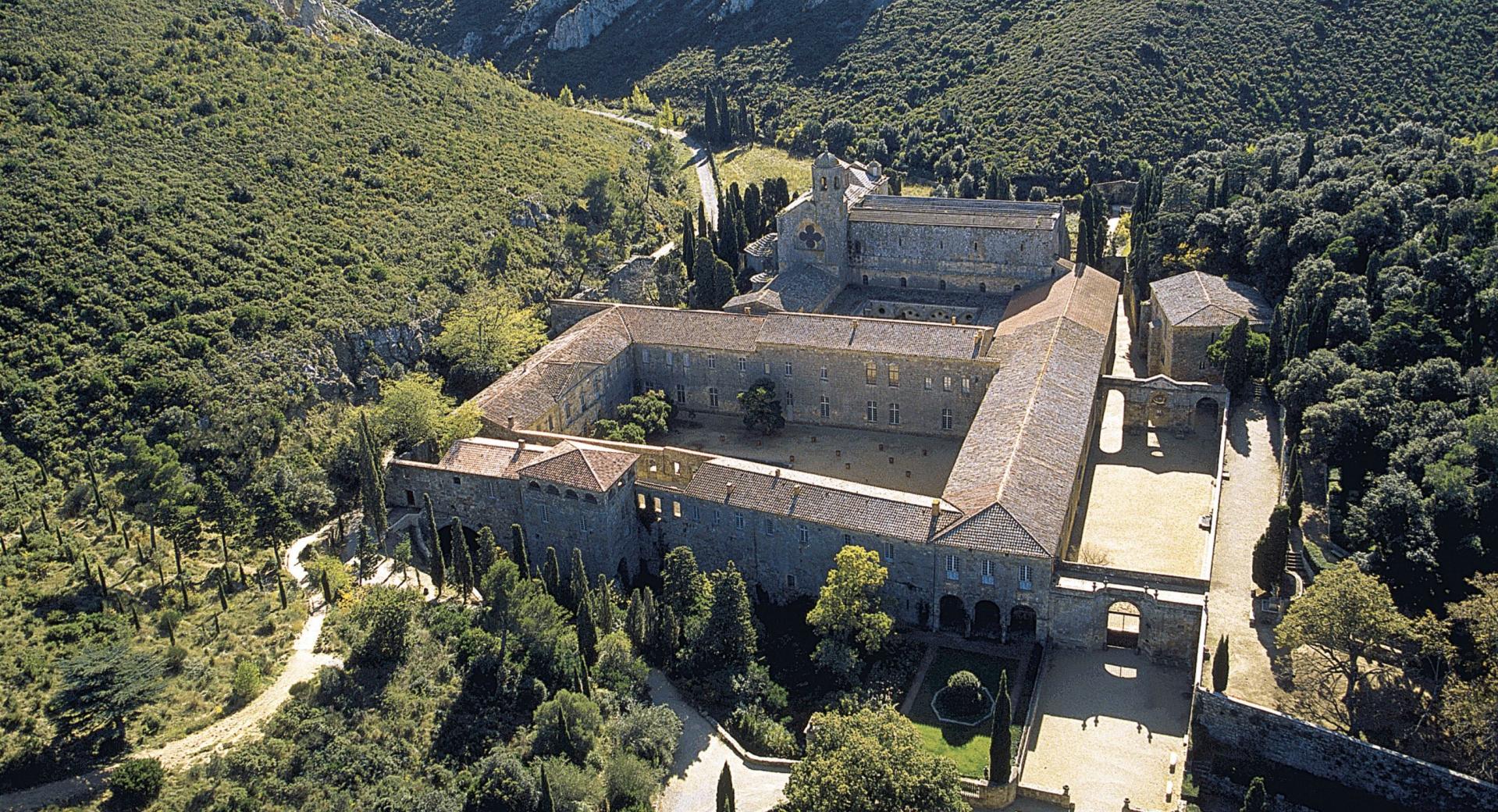 vins abbaye de fontfroide